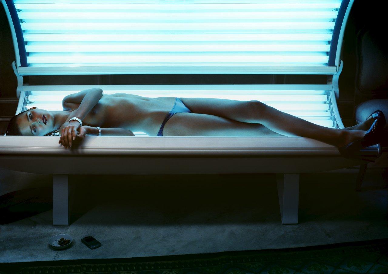 Carmen-Kass-Topless-02