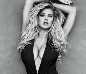 Charlotte-McKinney-Sexy-10