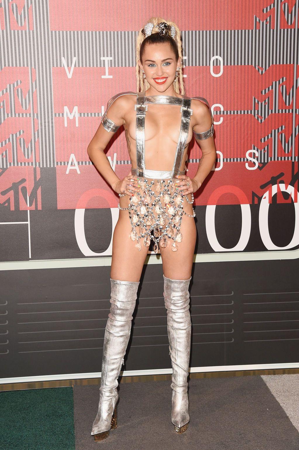 Miley-Cyrus-Sexy-101