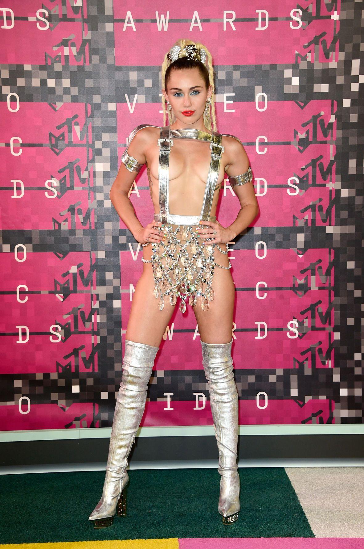 Miley-Cyrus-Sexy-162