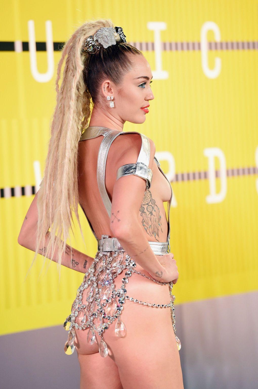 Miley-Cyrus-Sexy-167