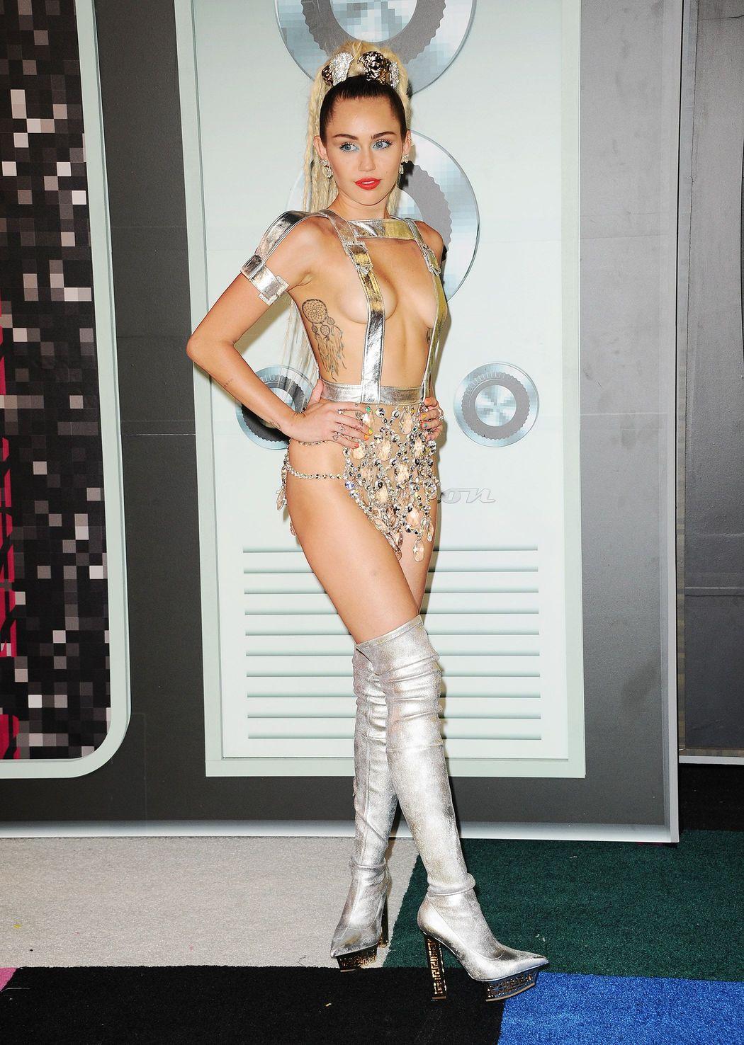 Miley-Cyrus-Sexy-431