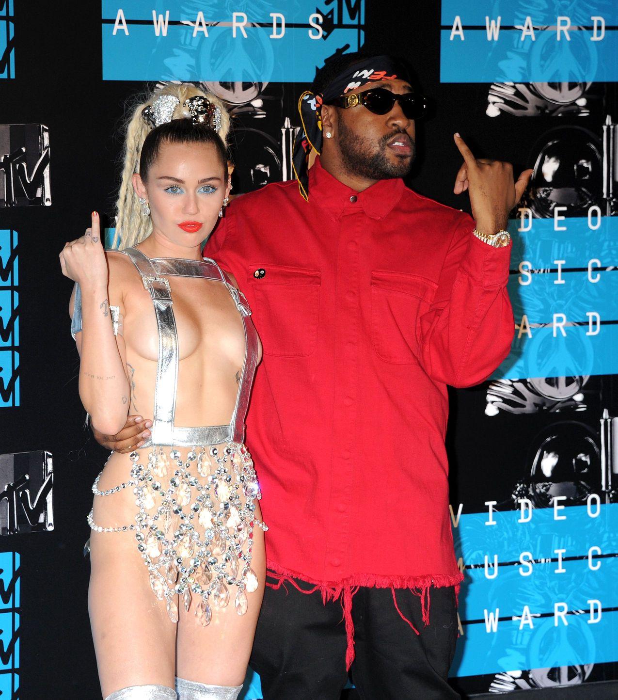 Miley-Cyrus-Sexy-69