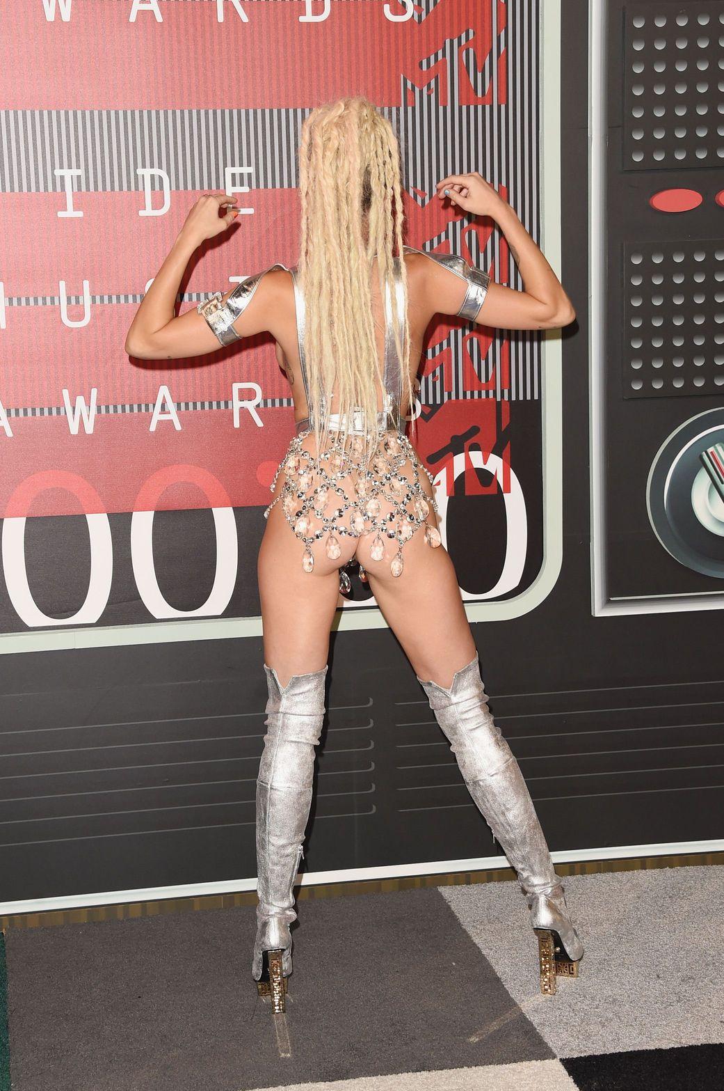 Miley-Cyrus-Sexy-80