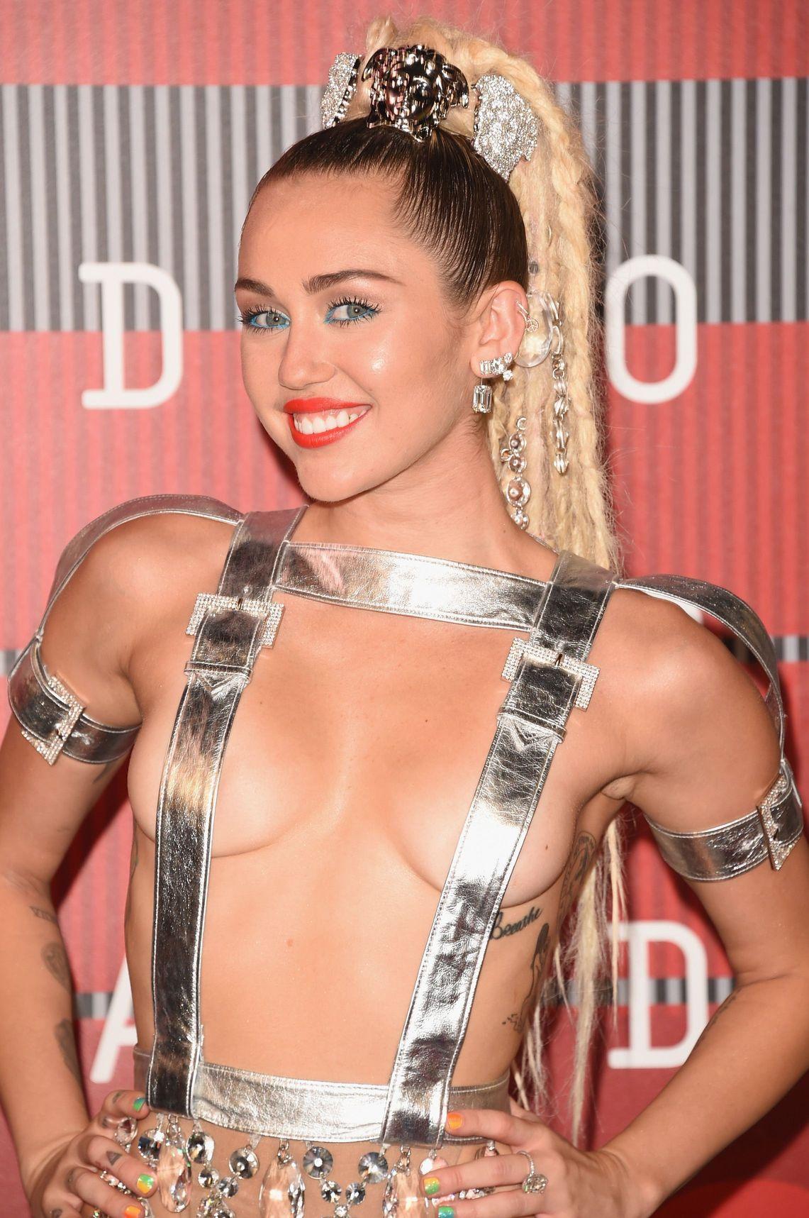 Miley-Cyrus-Sexy-88