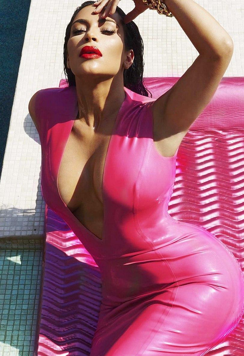 Kim-Kardashian-Sexy-41
