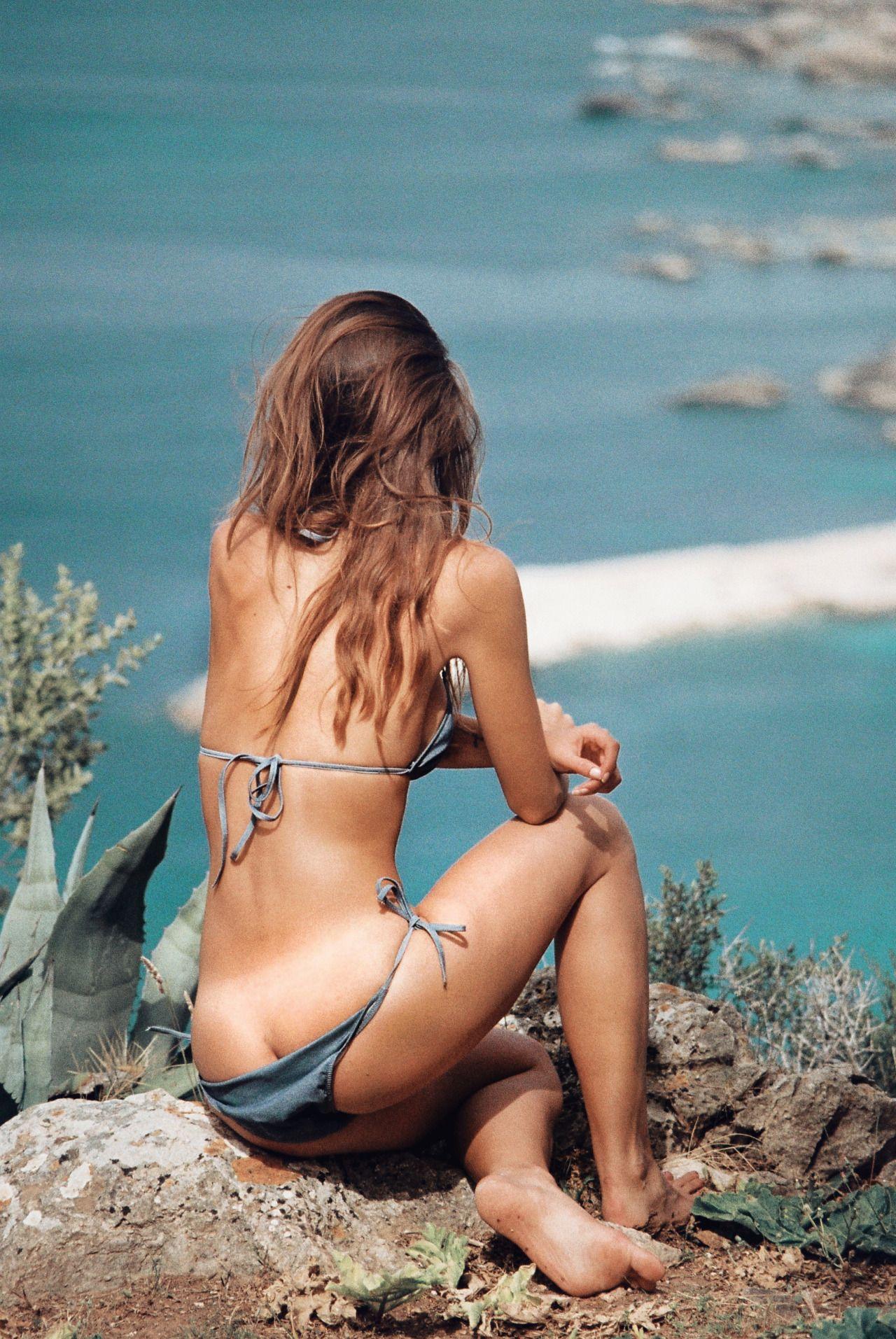 Valeriya-Volkova-Topless-Bikini-13