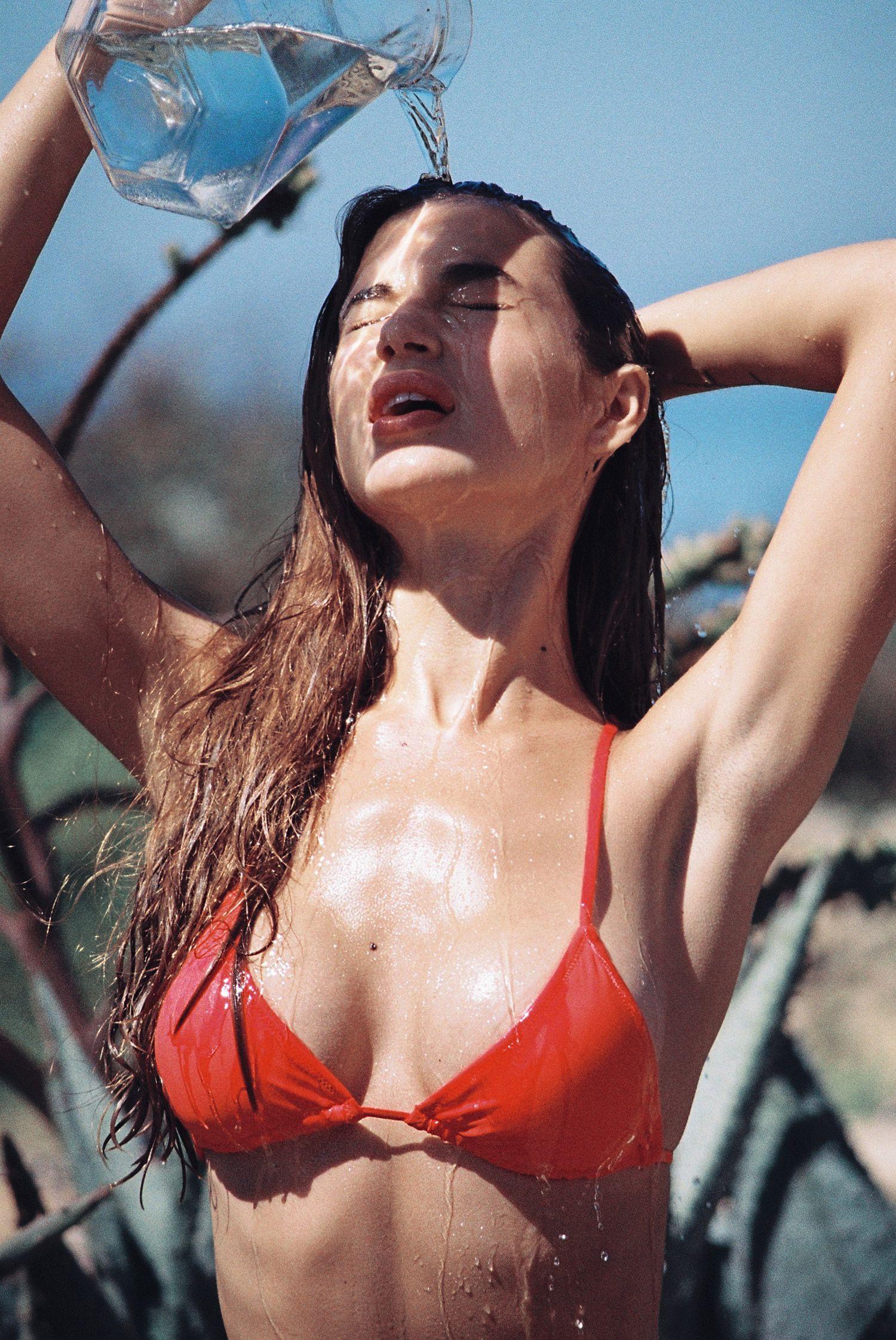 Valeriya-Volkova-Topless-Bikini-15