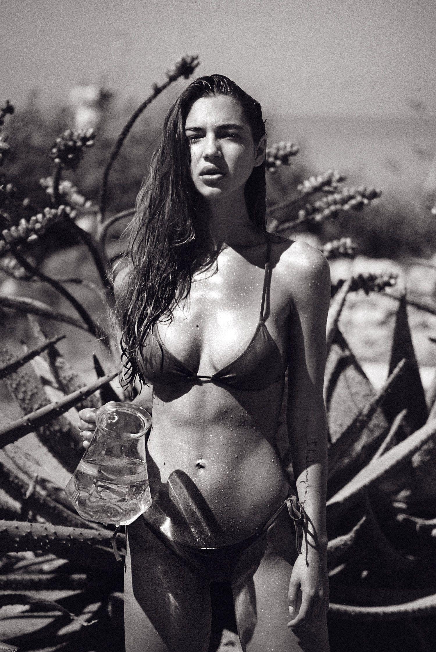 Valeriya-Volkova-Topless-Bikini-19