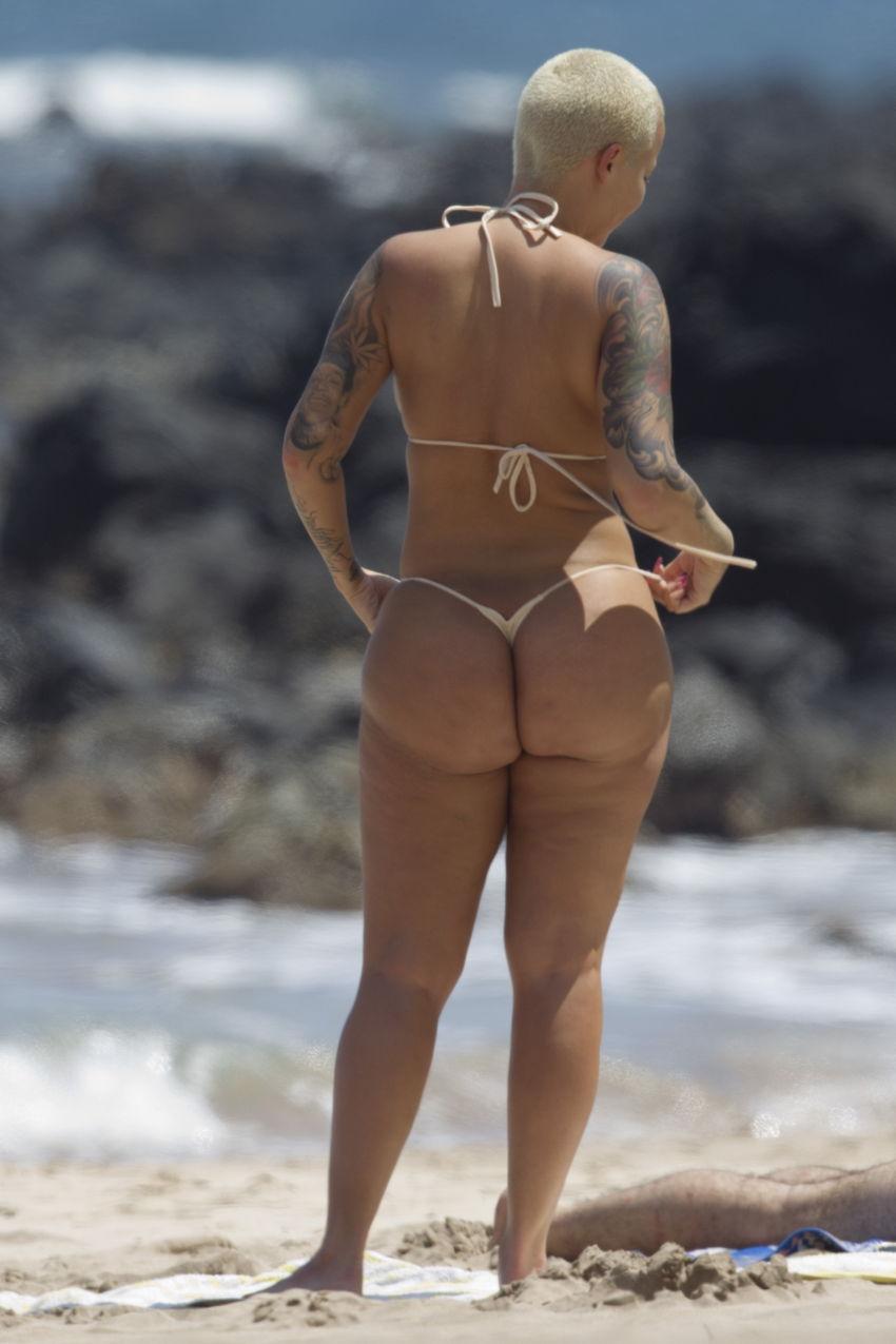 mileena nude and doing porn