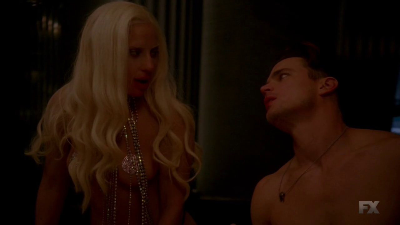 Lady Gaga topless screenshots American horror story (6)