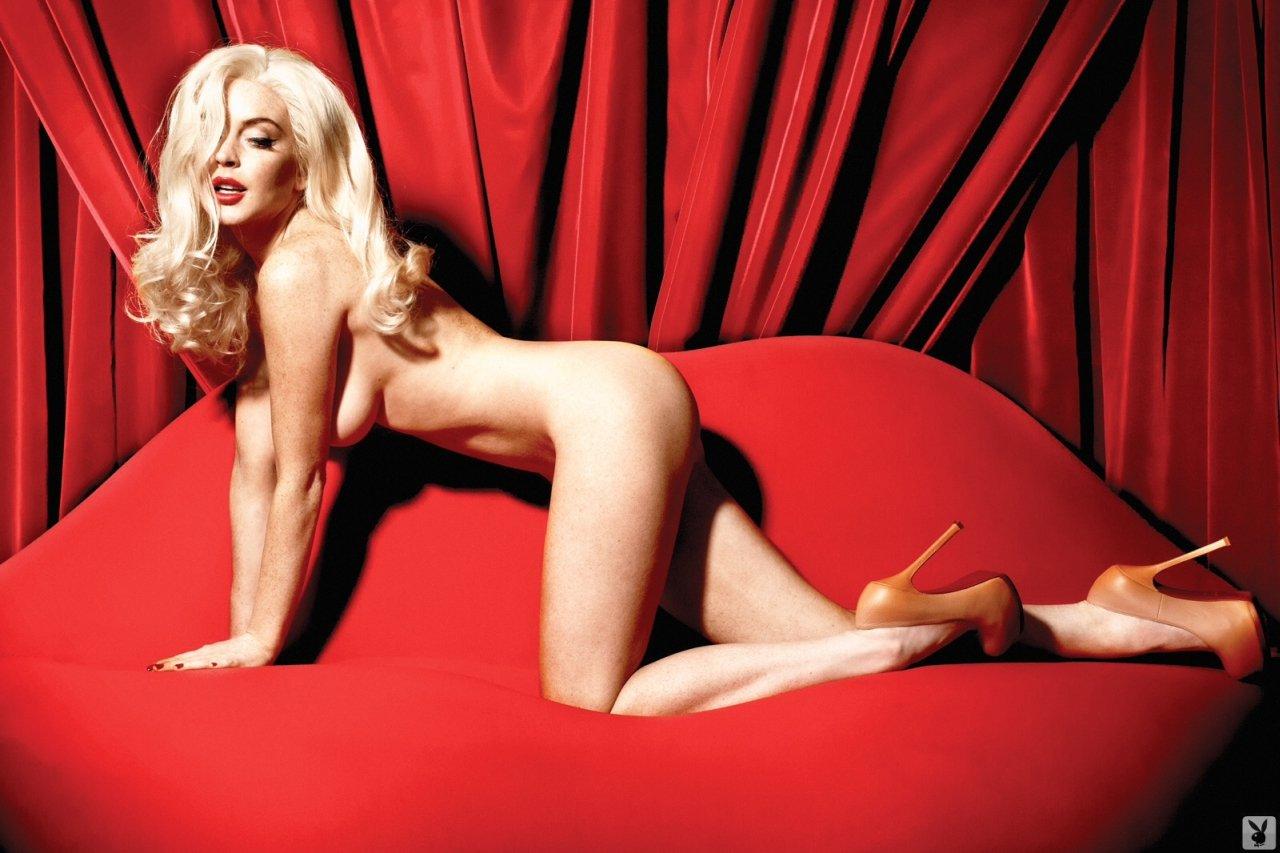 Lindsay-Lohan-Naked-06