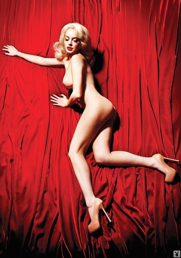Lindsay-Lohan-Naked-12