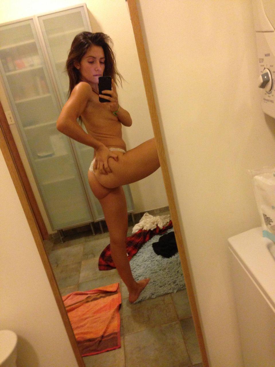 Sarah-Shahi-Naked-11