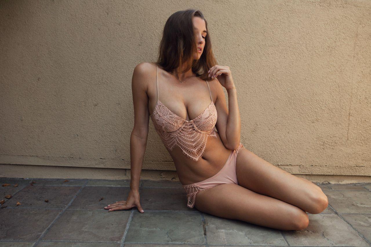 Alyssa-Arce-Topless-5