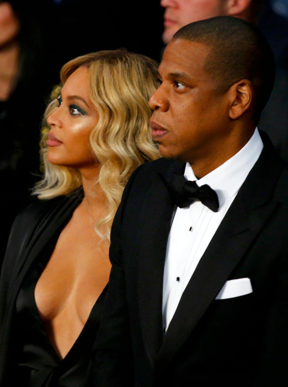 Beyonce-Braless-2