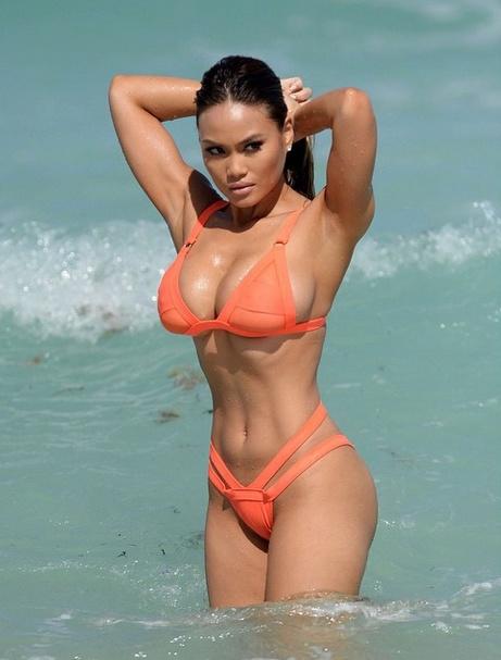 Daphne-Joy-Bikini-2 (1)