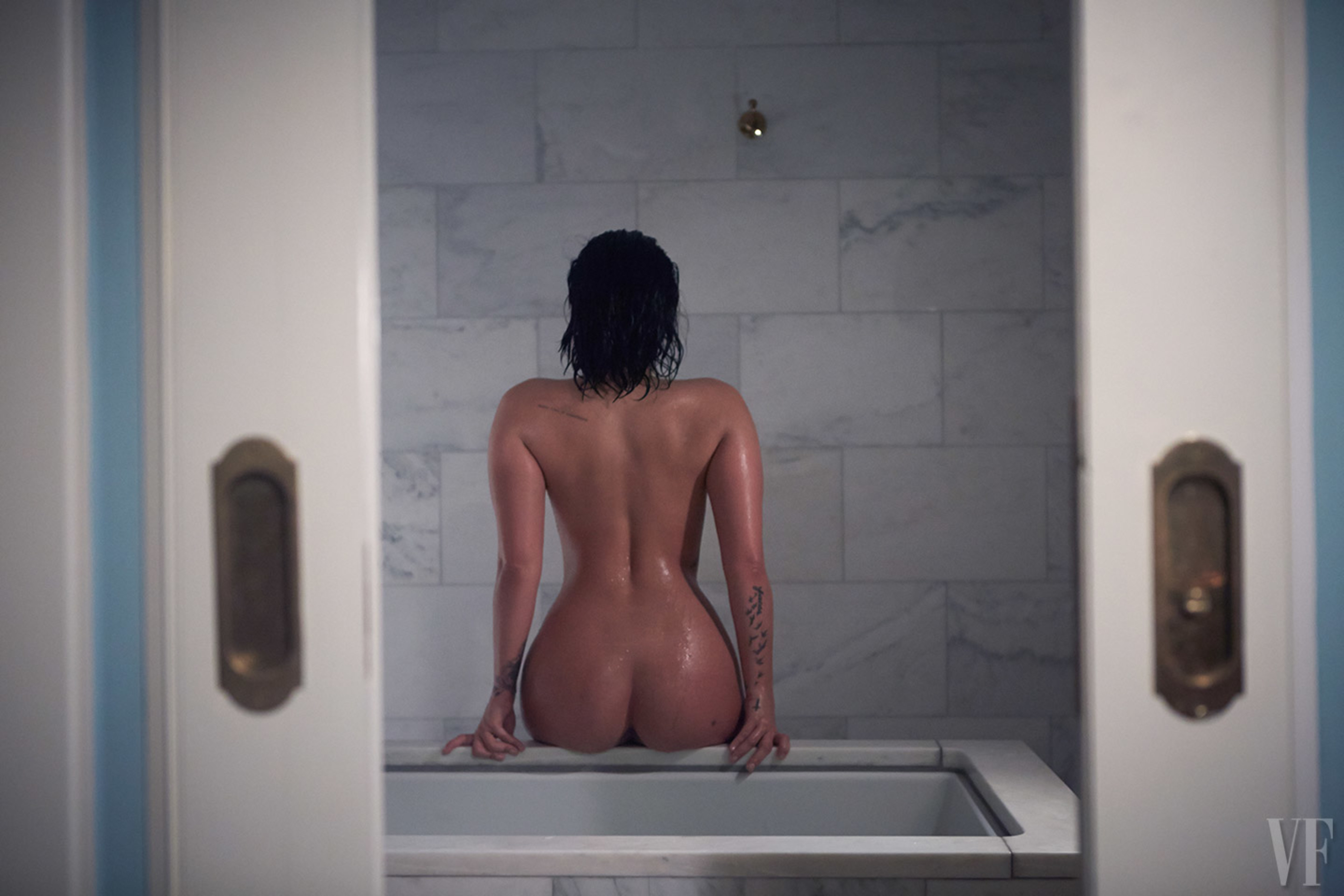 Demi Lovato – Nude in Vanity Fair (5)