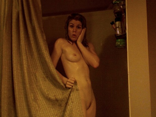 Emily-Bett-Rickards-Naked-01