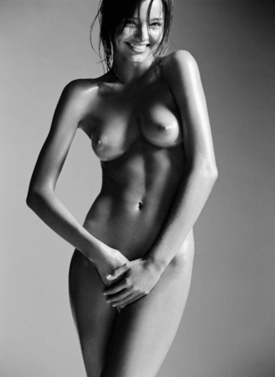 Miranda-Kerr-Naked-7