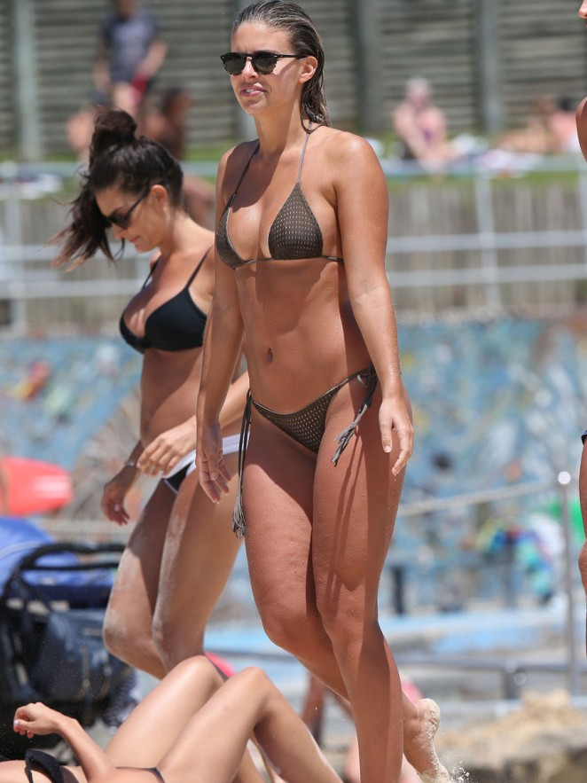 Topless Louisa Johnson Leaked Nude HD