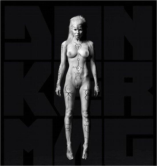 Yolandi-Visser-Naked-01