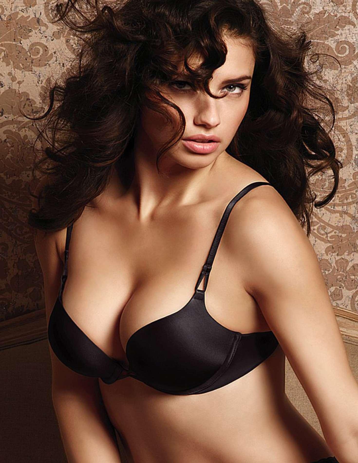 Adriana-Lima-Sexy-11
