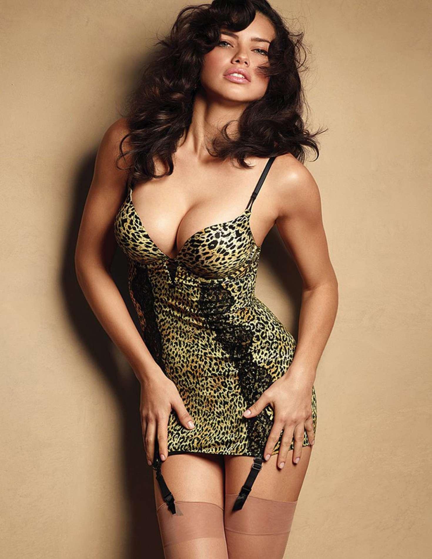 Adriana-Lima-Sexy-7