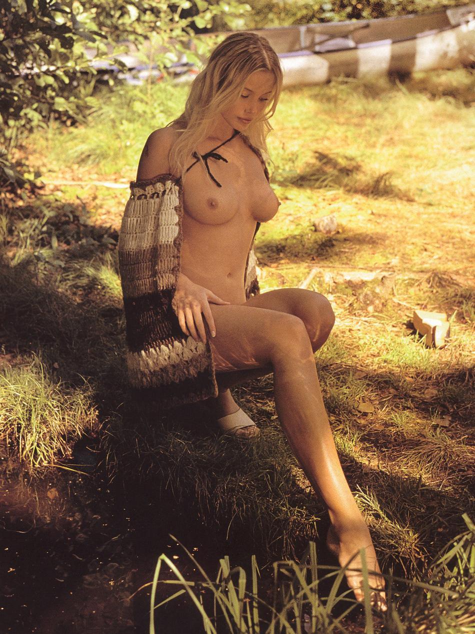 Stephanie-Corneliussen-Nude-24