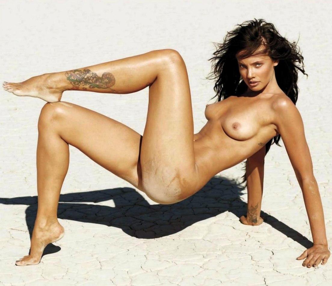 Stephanie-Corneliussen-Nude-26