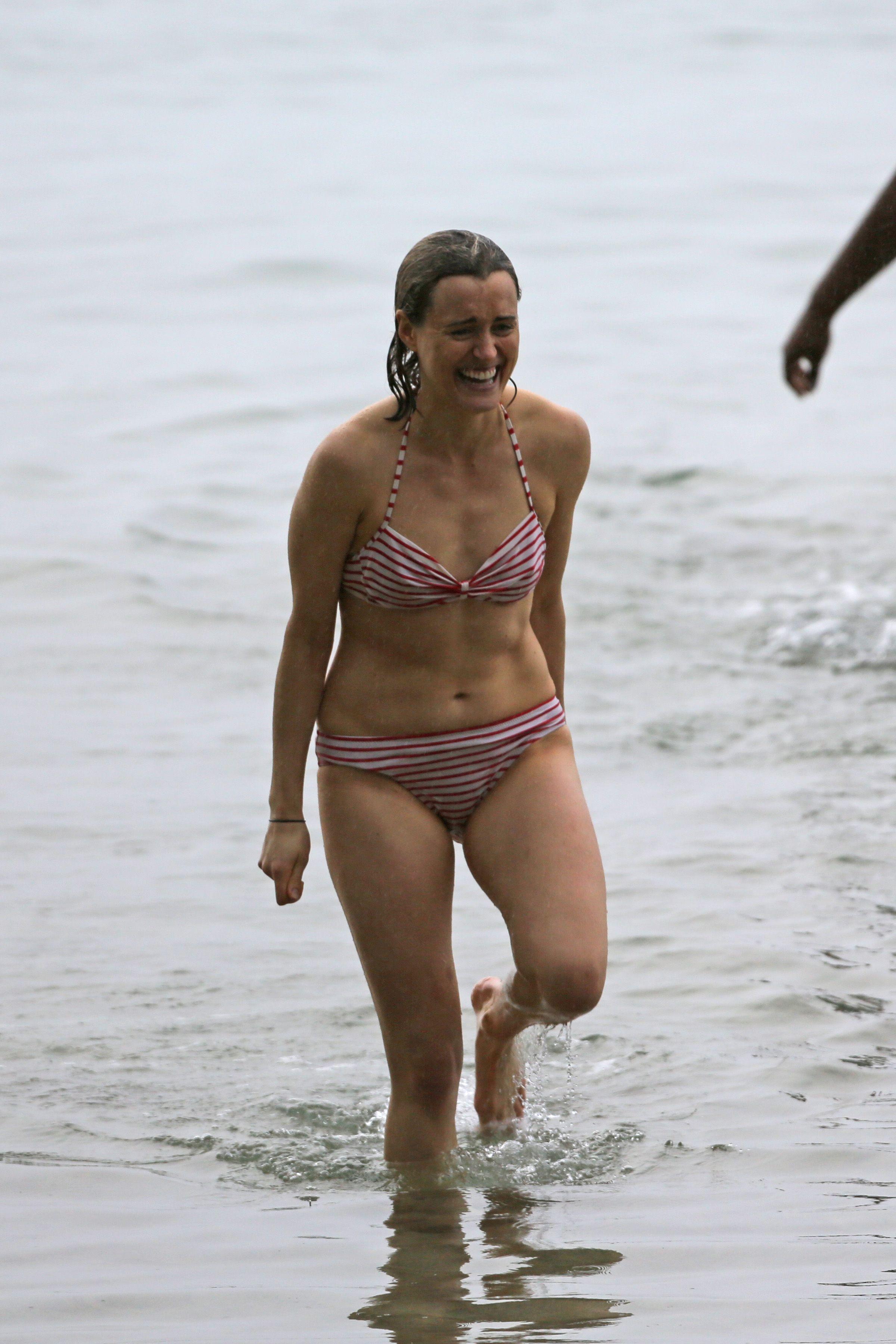 Taylor-Schilling-in-a-Bikini-2