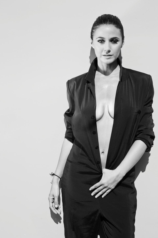 Emmanuelle-Chriqui-Braless-2