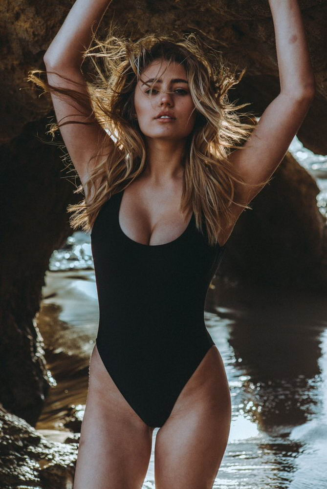 Lia Marie Johnson – Swimsuit Photoshoot (2)