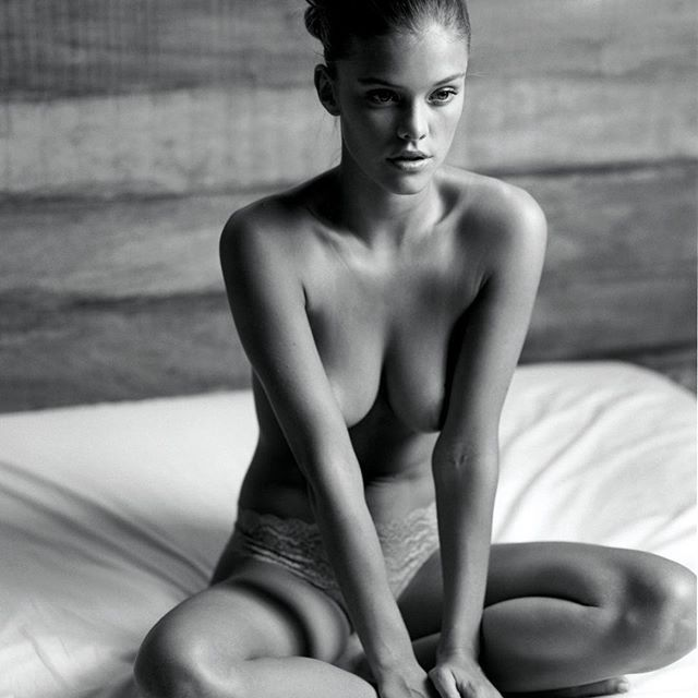 Nina-Agdal-Topless