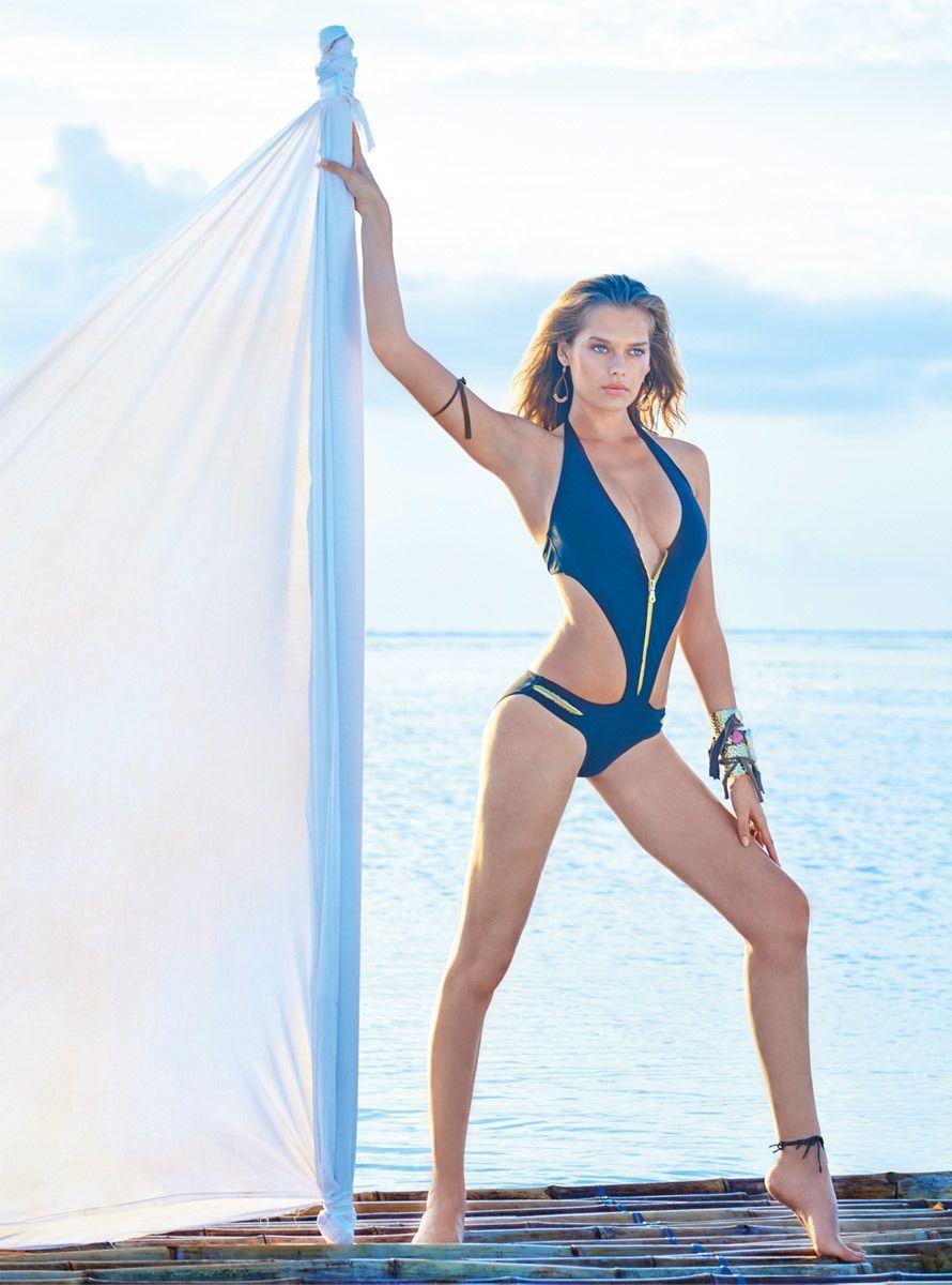 Solveig-Mork-Hansen-Sexy-Topless-5