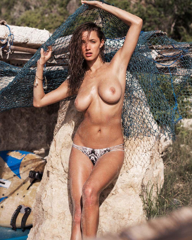 Alyssa-Arce-Sexy-Topless-20