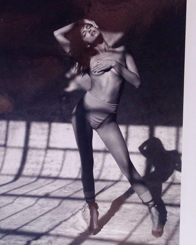 Irina-Shayk-Topless-3