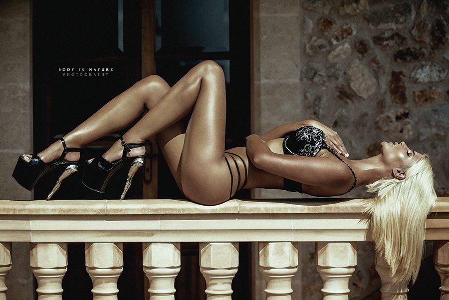 Micaela-Schaefer-Veronika-Klimovits-Sexy-6