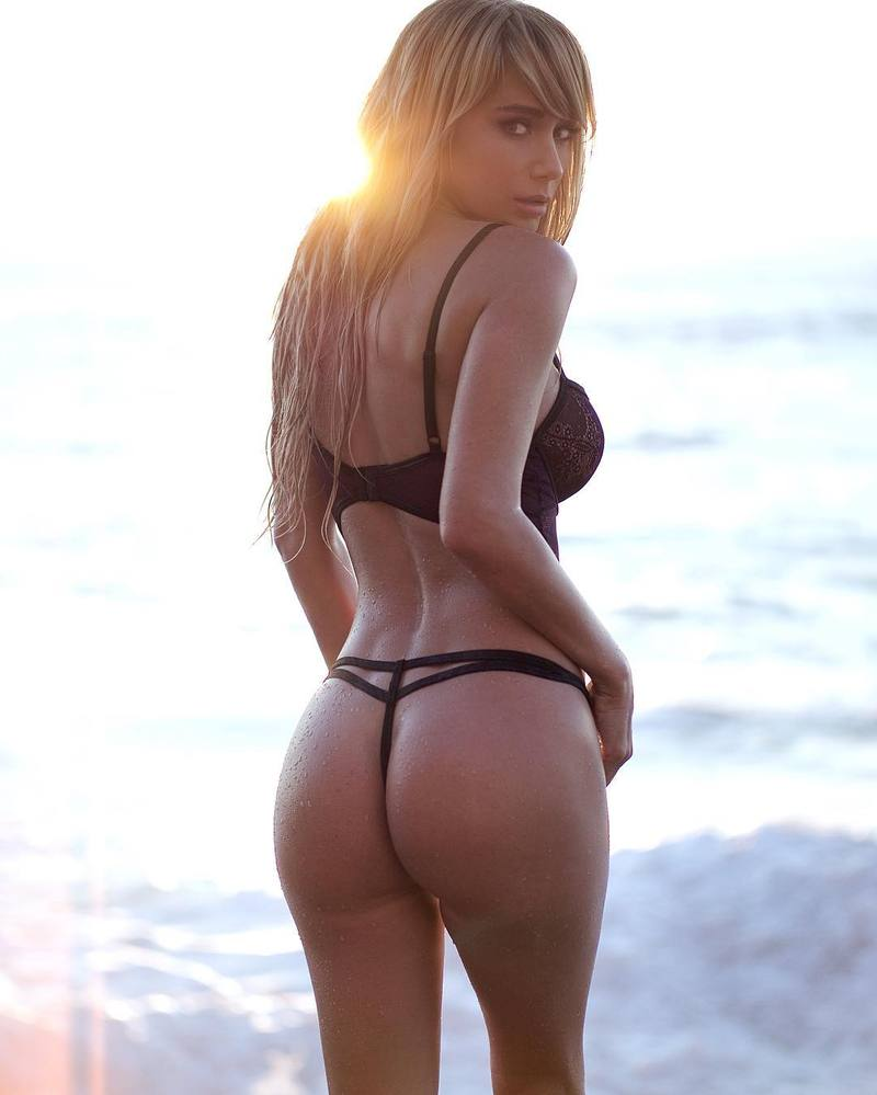 Sara-Underwood-Butt