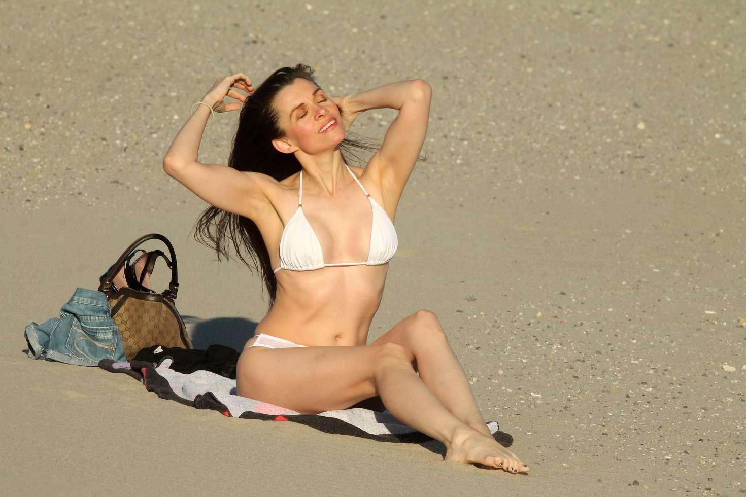 Alicia Arden Bikini naked 172