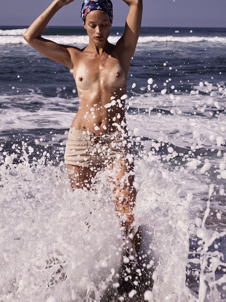 Carolyn-Murphy-Topless-Sexy12