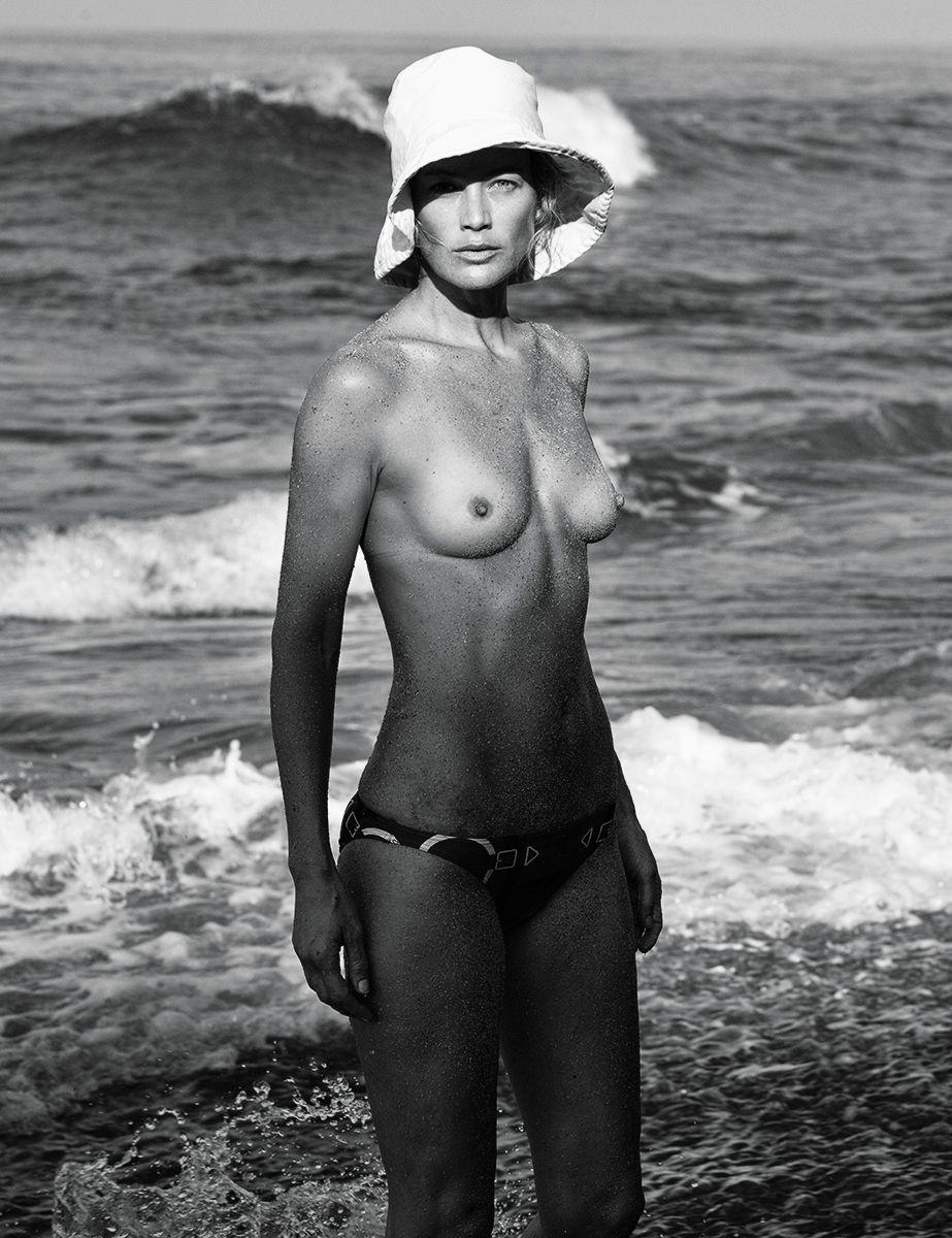 Carolyn-Murphy-Topless-Sexy22