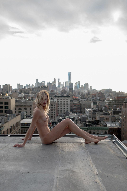 Eva-Biechy-Naked-2