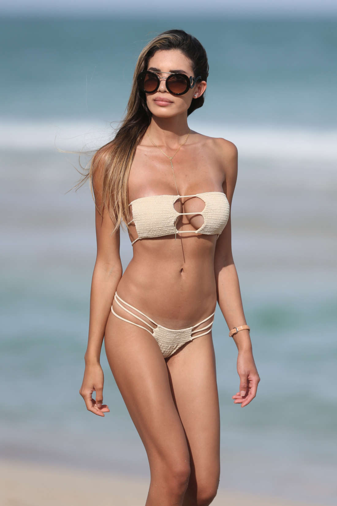 Jasmine-Tosh-in-a-Bikini-2