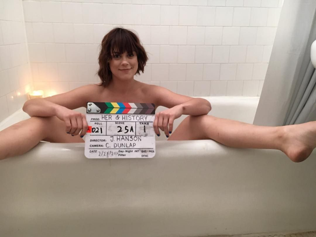 Lindsey-Shaw-Naked2