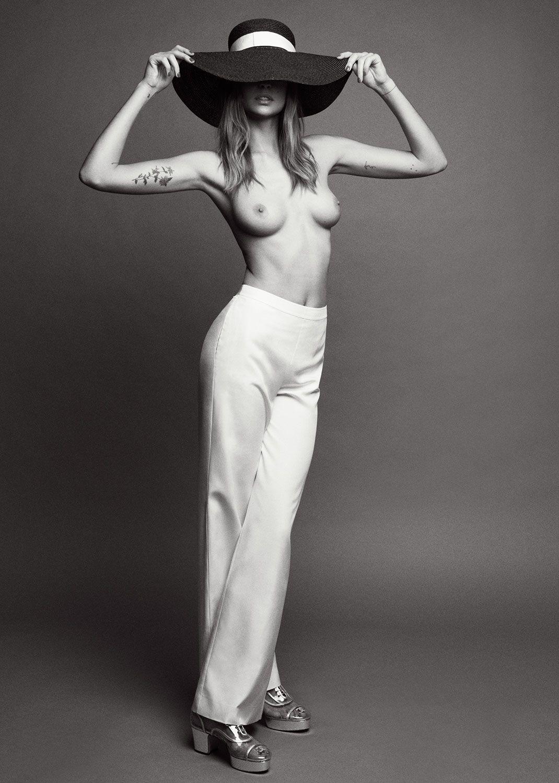 Nadja-Bender-Topless (1)