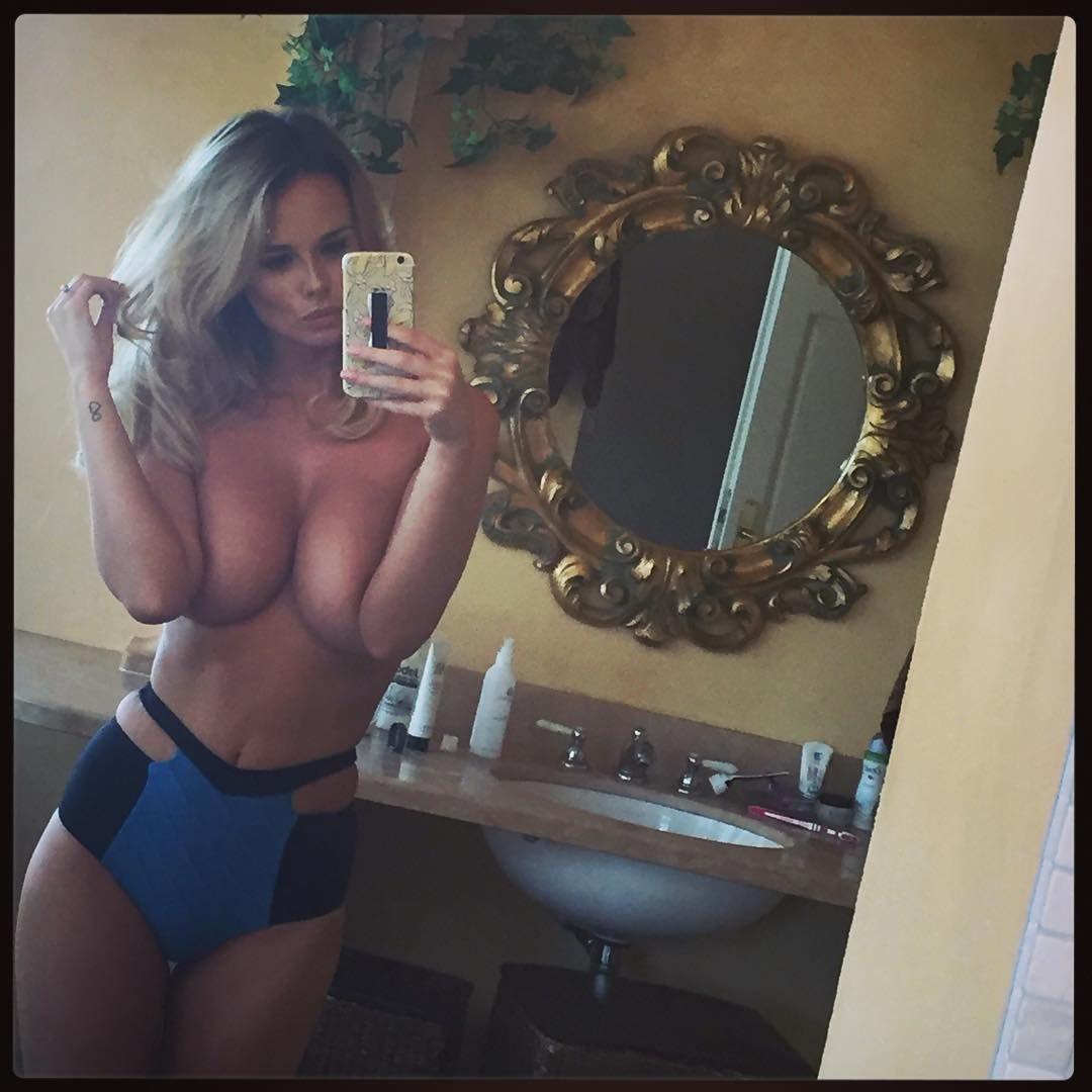 Rhian-Sugden-Selfies-8
