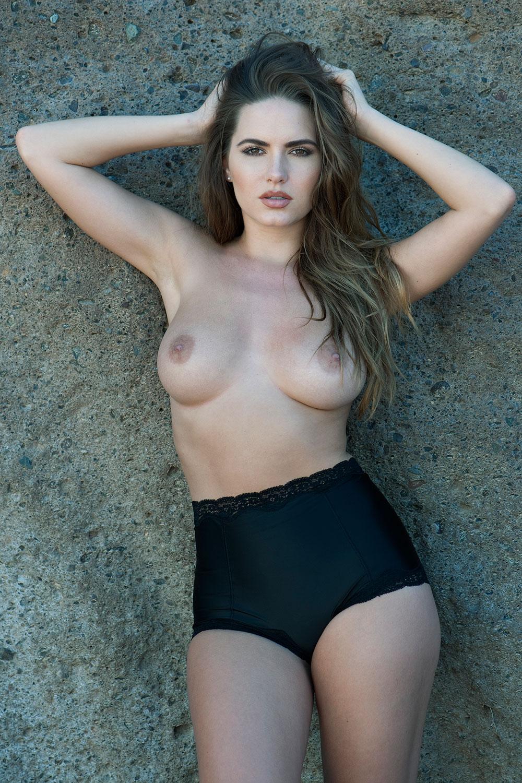 Sabine-Jemeljanova-Topless-1 (4)