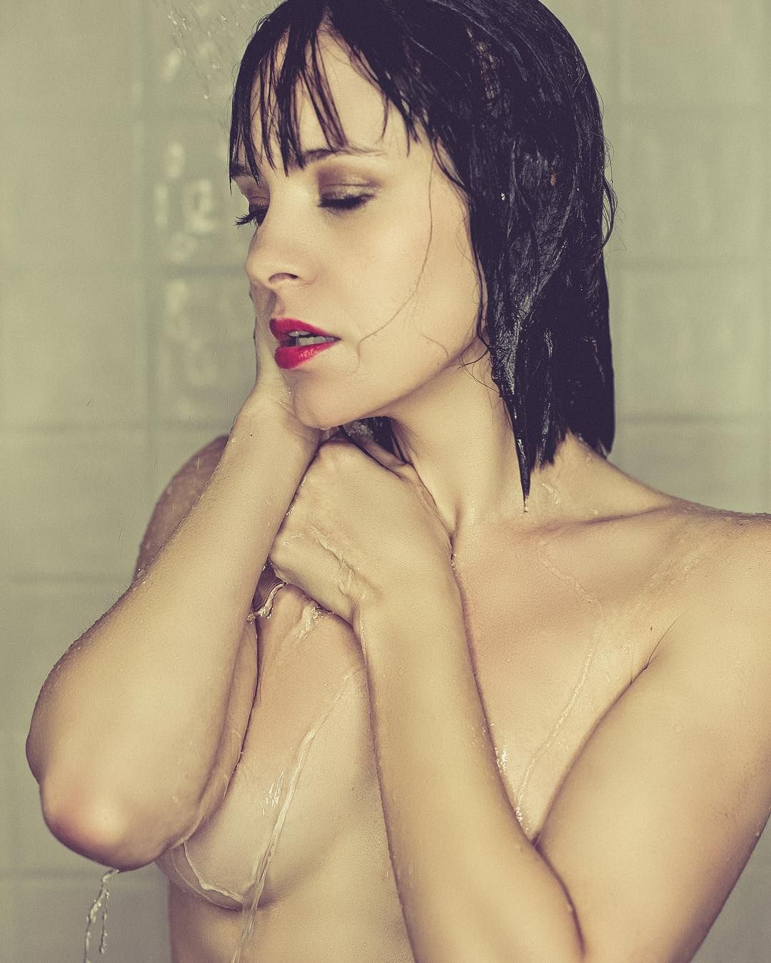 Brea-Grant-Nude-3