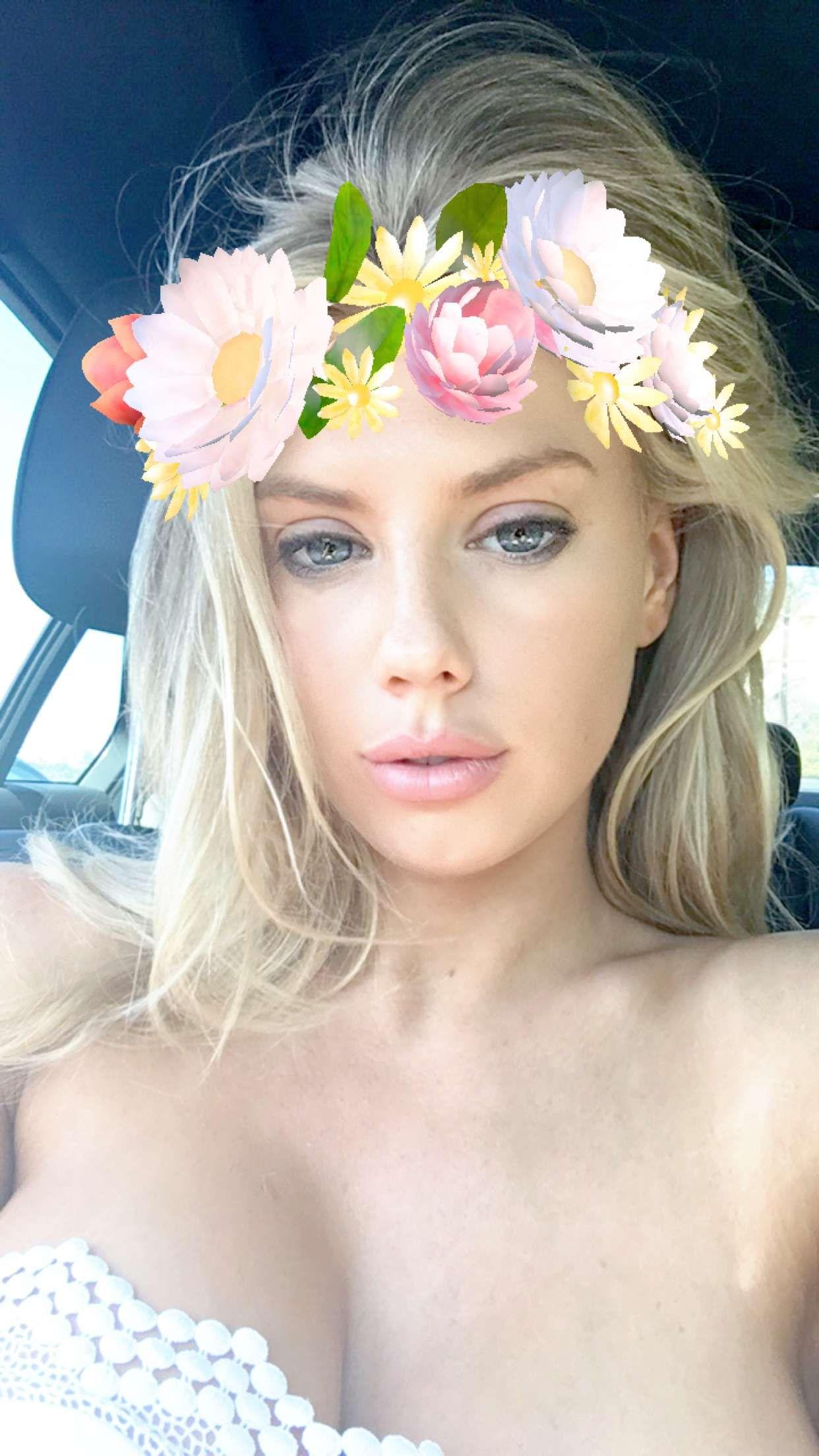 Charlotte-McKinney-Selfies-2